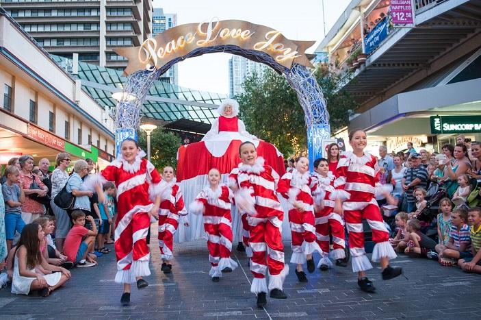 澳洲布里斯班圣诞街头游行