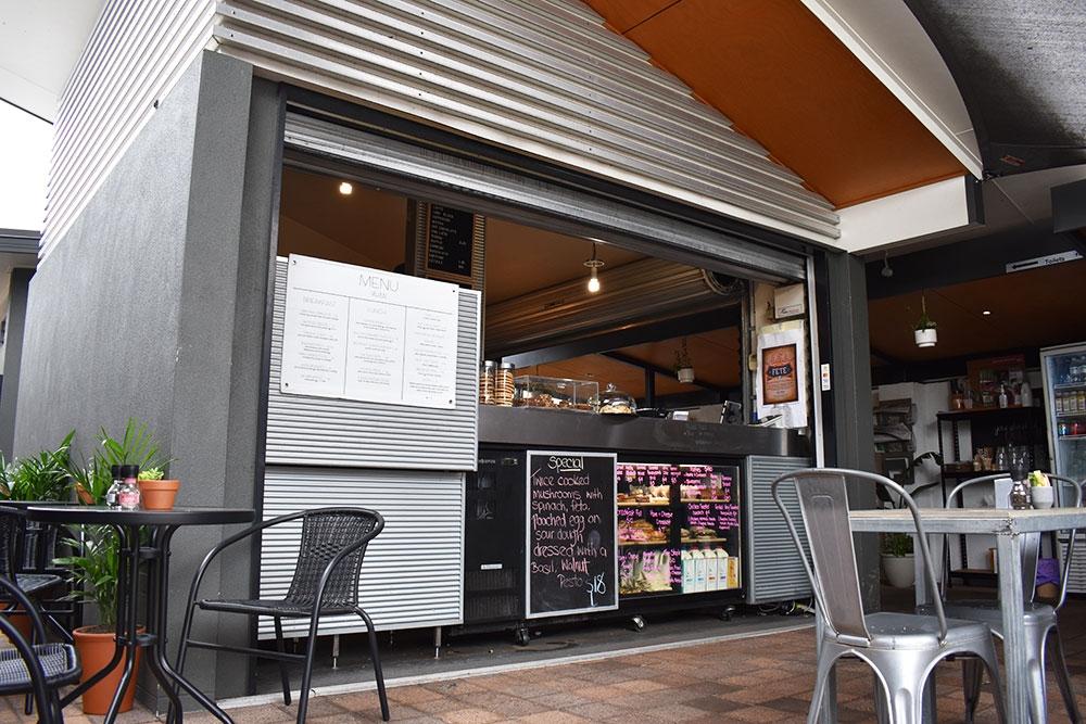outside in cafe brisbane